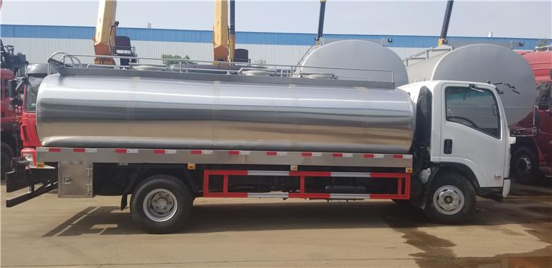 东风8立方鲜奶运输车